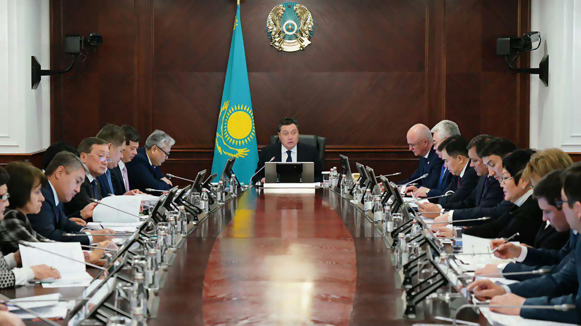 Prime Minister Askar Mamin holds a meeting of Council on Transition to Green Economy under the President of Kazakhstan